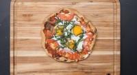 Μια υπέροχη συνταγή πίτσα με αυγό εύκολη και γρήγορη για το… πρωινό σας ή το βραδινό σας δείτε το Video παρακάτω από το Tasty